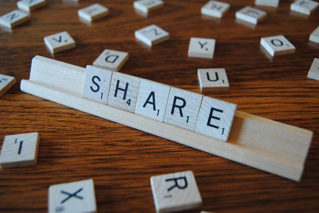 Udostępnianie cudzych treści na Facebooku, Instagramie – czy robisz to legalnie?